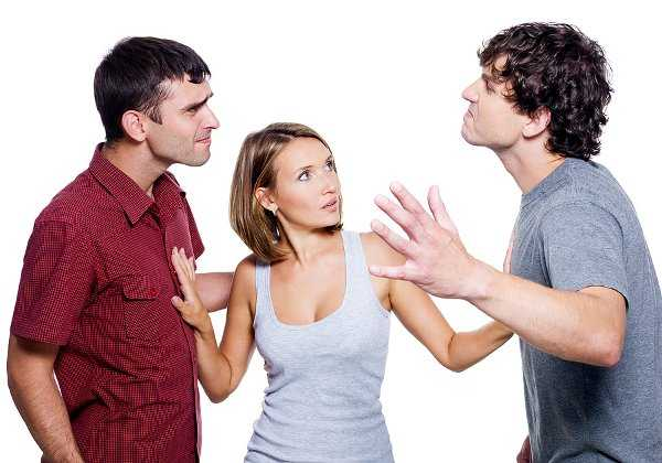 Resultado de imagen para chicos peleando por una chica