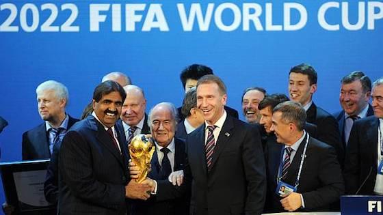 Seul stade du pays qui existait avant l'attribution de la coupe du monde de football au qatar, le khalifa international stadium est l'arène la plus emblématique. Coupe du Monde 2022 : un contrat secret entre le Qatar et ...