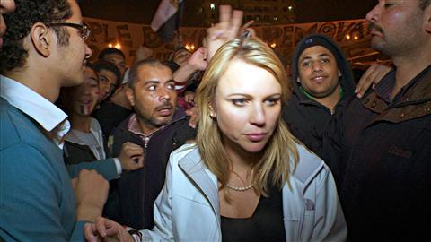 Lara Logan, le 11 février, alors qu'elle couvrait les événements en Égypte.