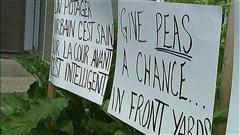 Des résidents contestent le fait de ne pas pouvoir cultiver leur jardin en façade.