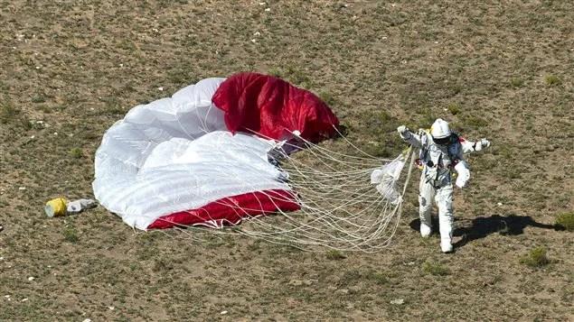 L'atterrissage de Felix Baumgartner