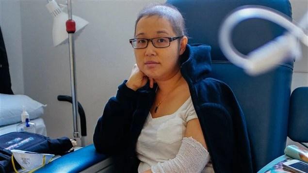 Mai Duong est présentement hospitalisée afin de recevoir des traitements de chimiothérapie. «Ce qu'elle trouve le plus difficile, c'est d'être loin de notre fille», dit son mari.
