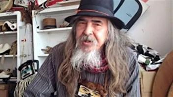 Beau Dick, un artiste autochtone.