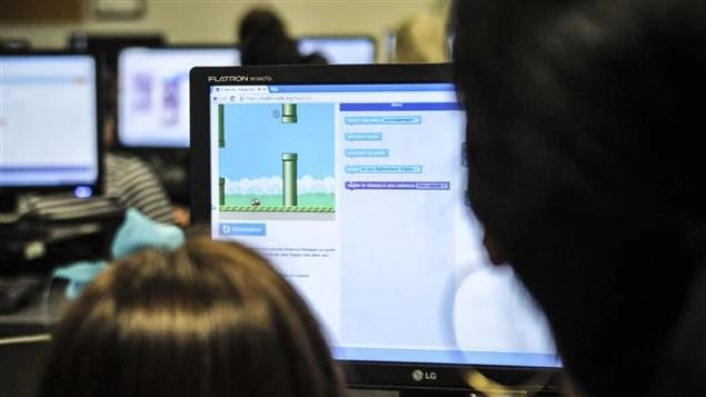 Atelier en programmation informatique à Polytechnique.