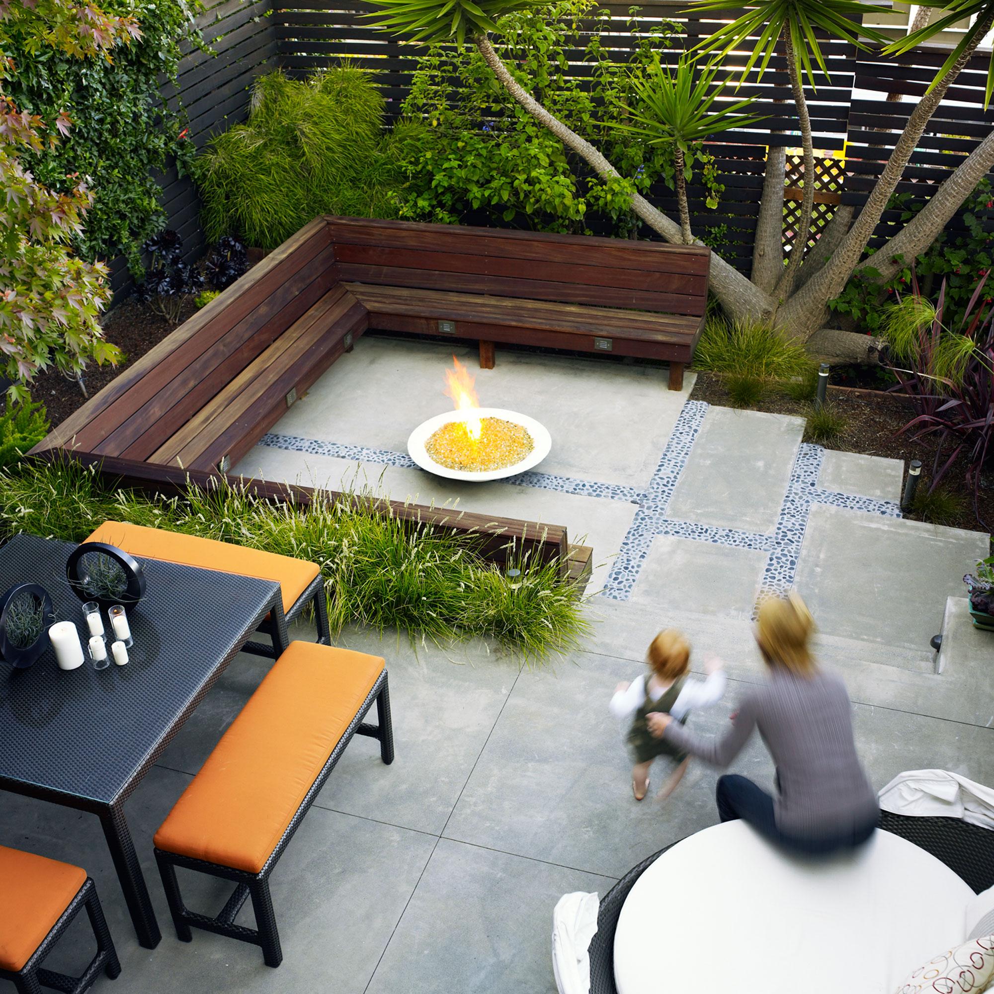 18 Favorite Outdoor Rooms - Sunset Magazine on Split Garden Ideas id=80826