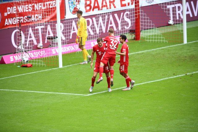 جمال موسيالا أصغر لاعب يشارك مع بايرن ميونخ فى تاريخ الدوري الألماني كوورة نيوز