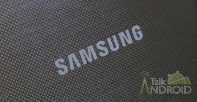 Samsung_Galaxy_S_4_Back_Samsung_Logo_Closeup_TA