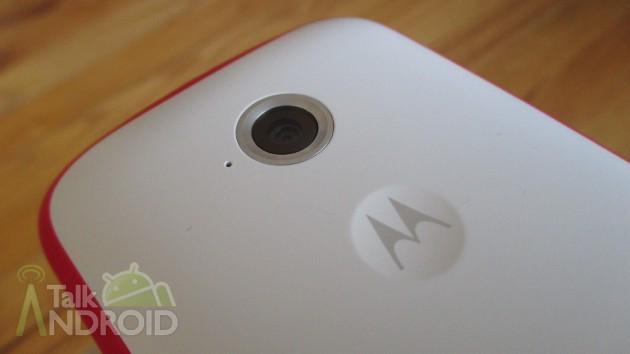 Moto_E_Back_Slanted_Motorola_Logo_Camera_Lens_02_TA