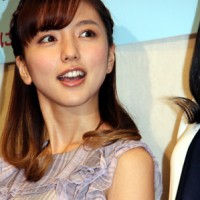 Mano Erina, Press conference