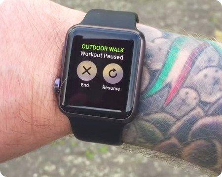 Apple admite que su smartwatch no se lleva bien con los tatuajes