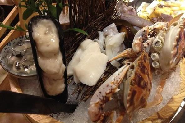 【台北食記】桐 精緻石頭火鍋吃到飽-狂吃海鮮太過癮啦!
