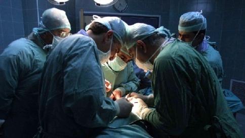 Roma, abortisce ma espelle il feto 10 giorni dopo: denunciato l'ospedale