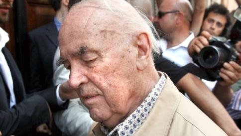 """Priebke, legale: """"Gran parte del popolo italiano è sdegnato con la Chiesa"""""""