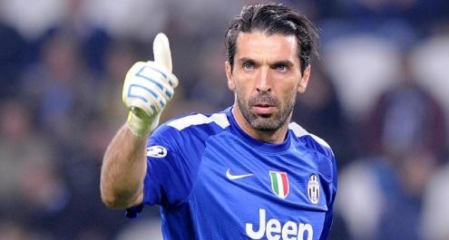 Buffon protegge la Carrarese: una marca di profilattici come nuovo sponsor