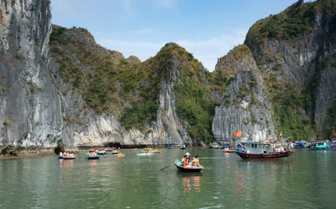 Ha Long Bay | © xiquinhosilva/Flickr