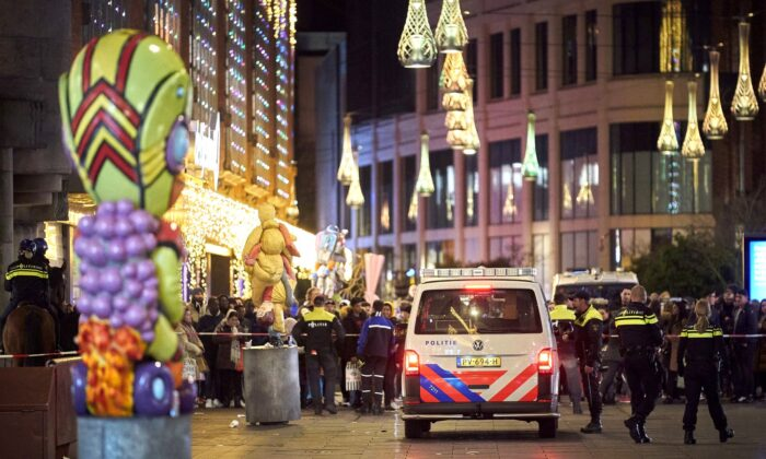 Dutch police block a shopping street after a stabbing incident in the center of The Hague, Netherlands, on Nov. 29, 2019. (Phil Nijhuis/AP Photo)