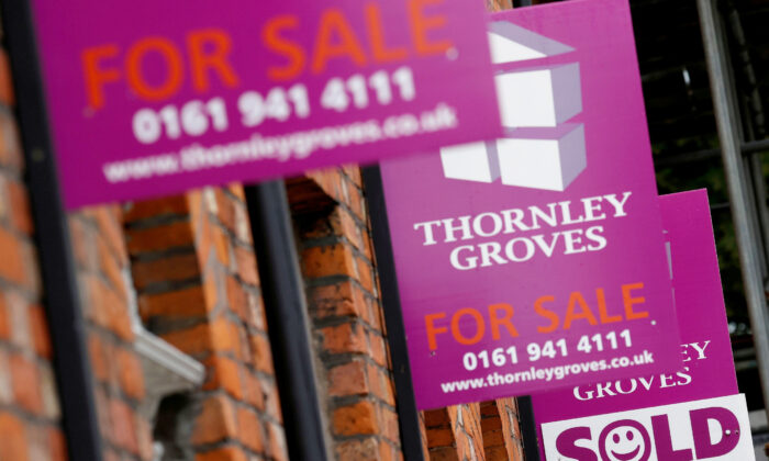 UK House Prices Picked Up in July, May Drop in Late Autumn