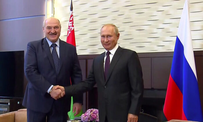 Belarusian Leader Says He Asked Putin for Weapons