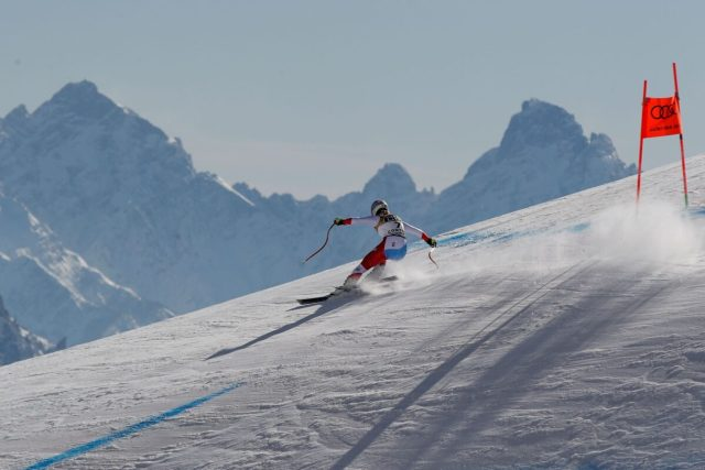 Corinne Suter speeds down the course