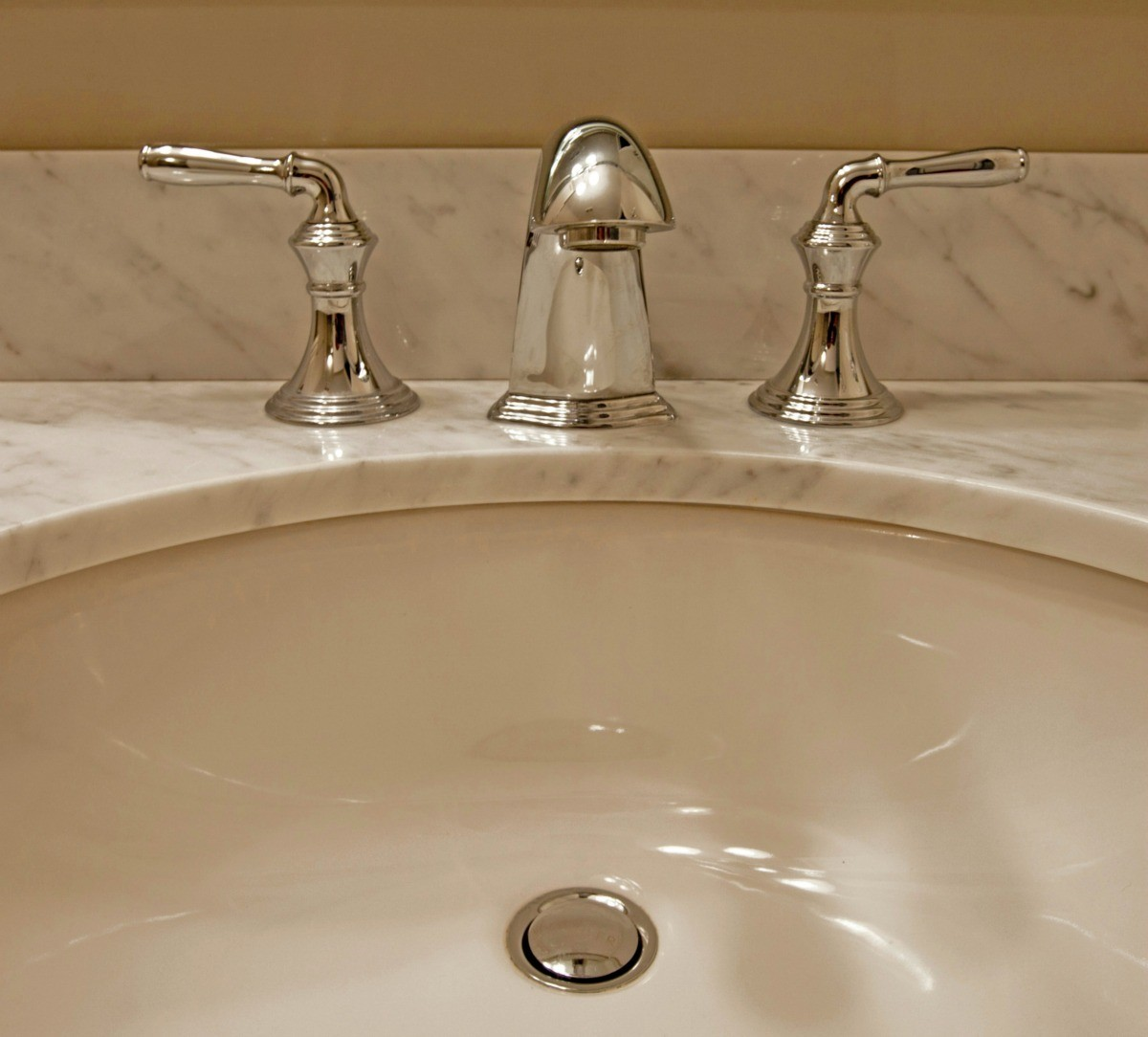 removing stains from a porcelain sink