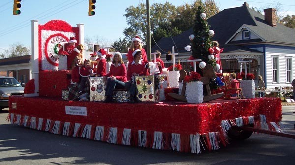 The Grinch Christmas Float Ideas.Costume Ideas For Christmas Parade Thecannonball Org