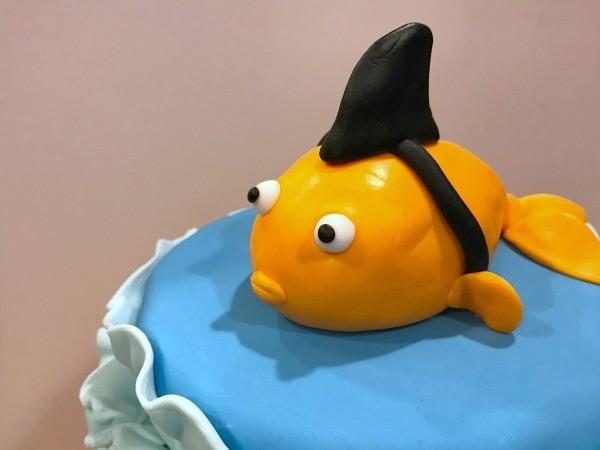 Creating A Sharky Goldfish Birthday Cake Thriftyfun