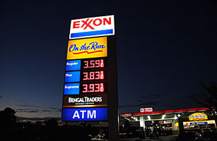 A gas price sign is seen at an Exxon station on September 20, 2008 photo in Manassas, Virginia. AFP PHOTO/Karen BLEIER