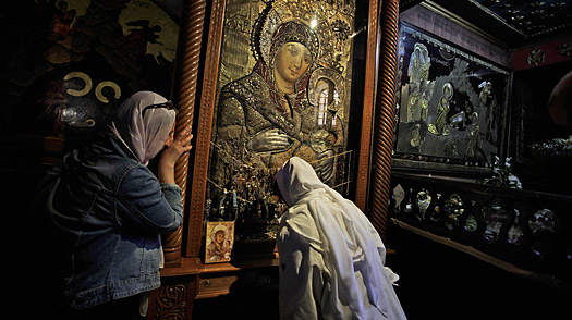 Why Mideast Christians Are Wary of Pope Benedicts Visit