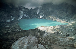 Mount Pinatubo Top 10 Famous Volcanoes TIME