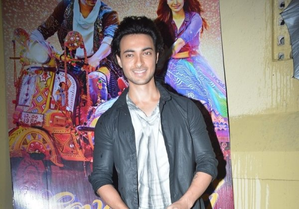 'Never say never', actor Aayush Sharma on joining politics ...