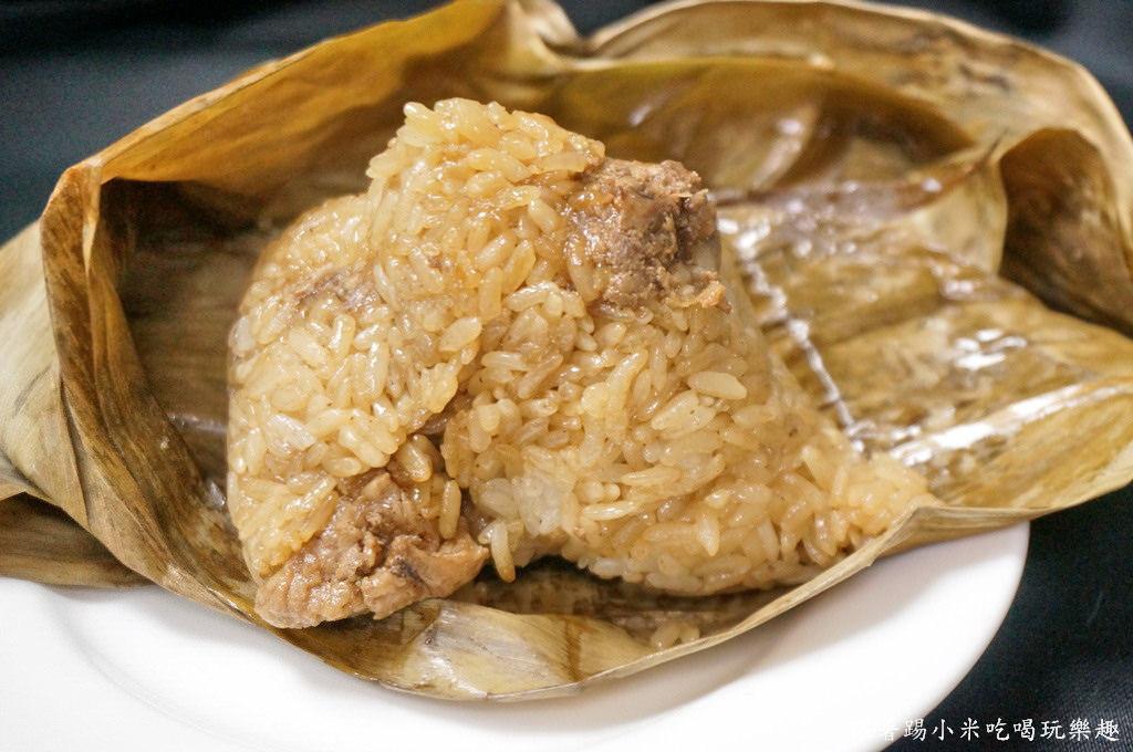 新竹竹蓮市場小吃美食 竹蓮阿婆水桶肉粽 端午節粽子25元有肉有菜脯隱藏版熱賣平價小吃美食(CP值高)–踢小米食記