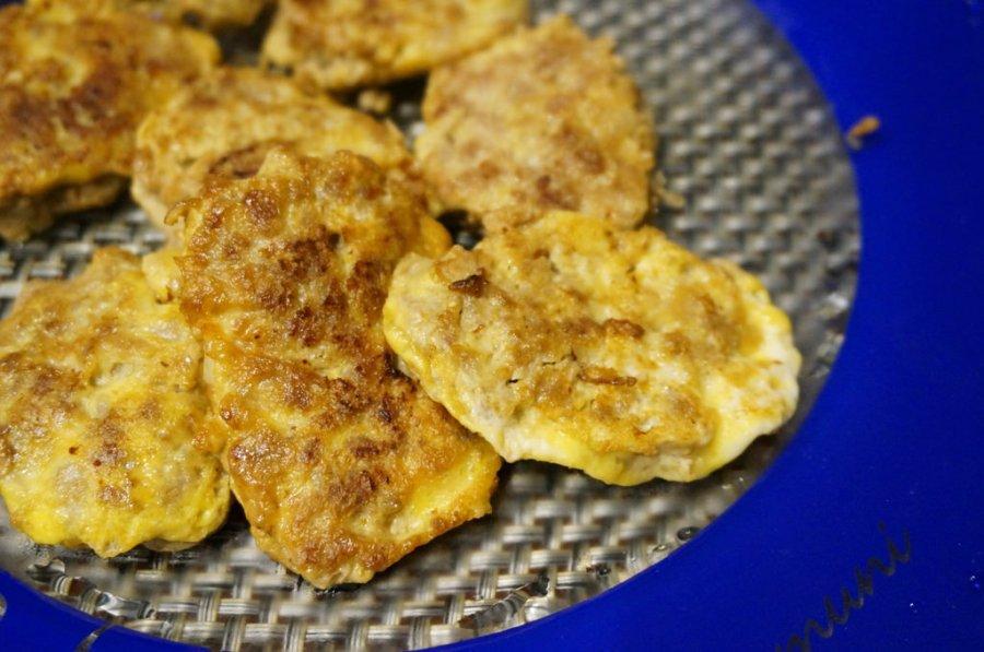 【家常小菜食譜簡單DIY】豬肉煎蛋餅-外軟內Q的下飯好菜色–踢小米廚房