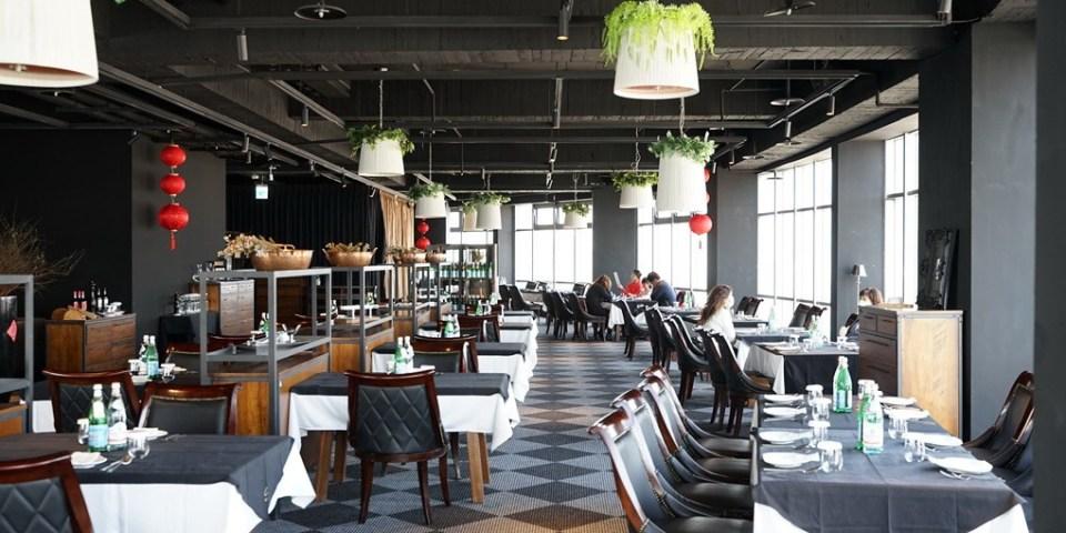 新竹竹北隨意鳥地方。高空觀景餐廳享受美景與美食的隨意地方。未來有旋轉餐廳(菜單地址營業時間電話)