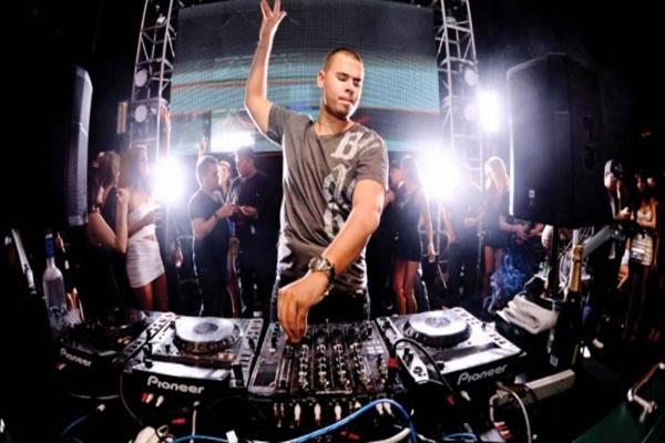 DJ là nghề gì? Tất tần tật thông tin để trở thành một DJ cần nắm rõ - Ảnh 1