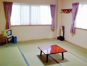 平和荘/客室