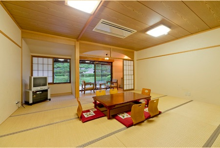 ひよしフォレストリゾート山の家/客室