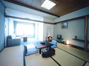 水の/客室
