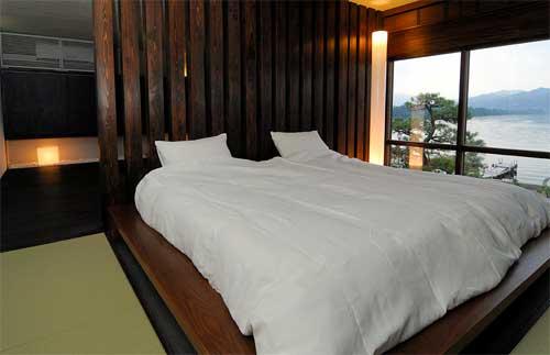 日本三景天橋立 全客室から阿蘇海を眺望する静けさを大切にした大人の宿 神風楼/客室