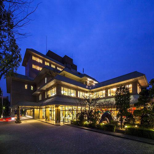 KKRホテル熊本(国家公務員共済組合連合会熊本共済会館)/外観