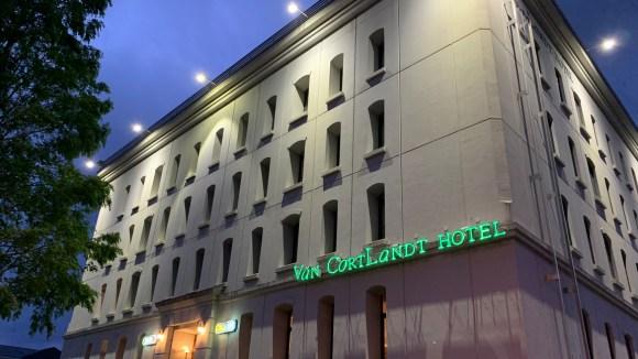 VAN CORTLANDT HOTEL(ファン コートランド ホテル)/外観