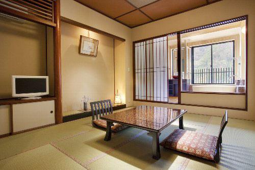 木曽福島温泉 山みず季 URARA つたや/客室