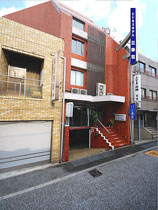 ビジネスホテル 三幸荘/外観