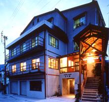 リポーズハウス上野館/外観