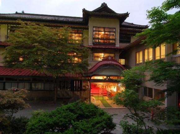 岩手 花巻温泉郷 鉛温泉 藤三旅館/外観