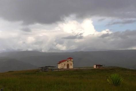 Одинокая церковь в начале пути, Венесуэла / Фото из Венесуэлы
