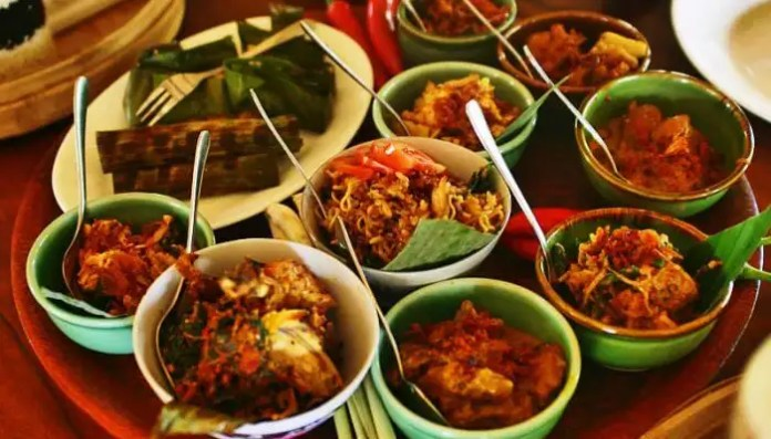 Balinese Cuisine 14 Mouth Watering Dishes For Your 2021 Vacay
