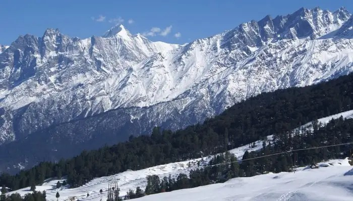snowy hills in uttarakhand