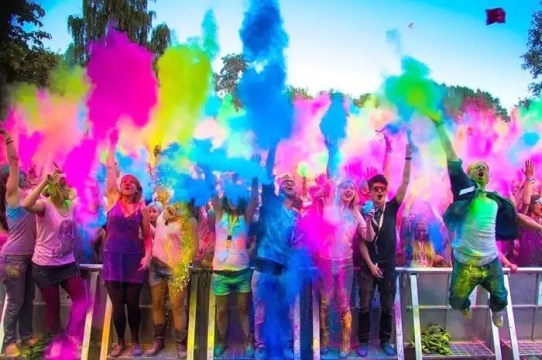 6 Holi Parties In Delhi To Celebrate The Festival Of Colors in 2021