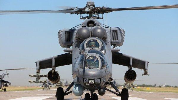 Повышенные меры безопасности в Душанбе: Два вертолета Ми ...
