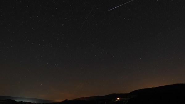 В небе над Новосибирском пронесётся поток метеоров: Когда ...